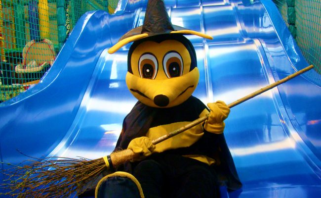 Bizzy the Bee Witch