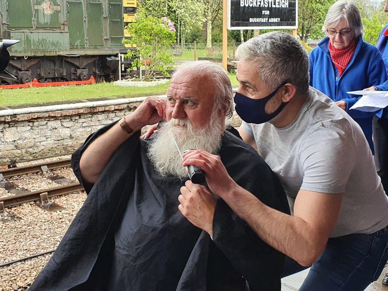 SDR - Dick WOOD Beard Shave - credit Anne Blackham 5 DATA..5.
