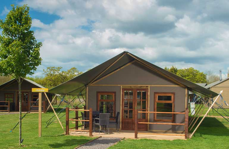 Crealy theme Park & resort - crealy Meadows safari glamping
